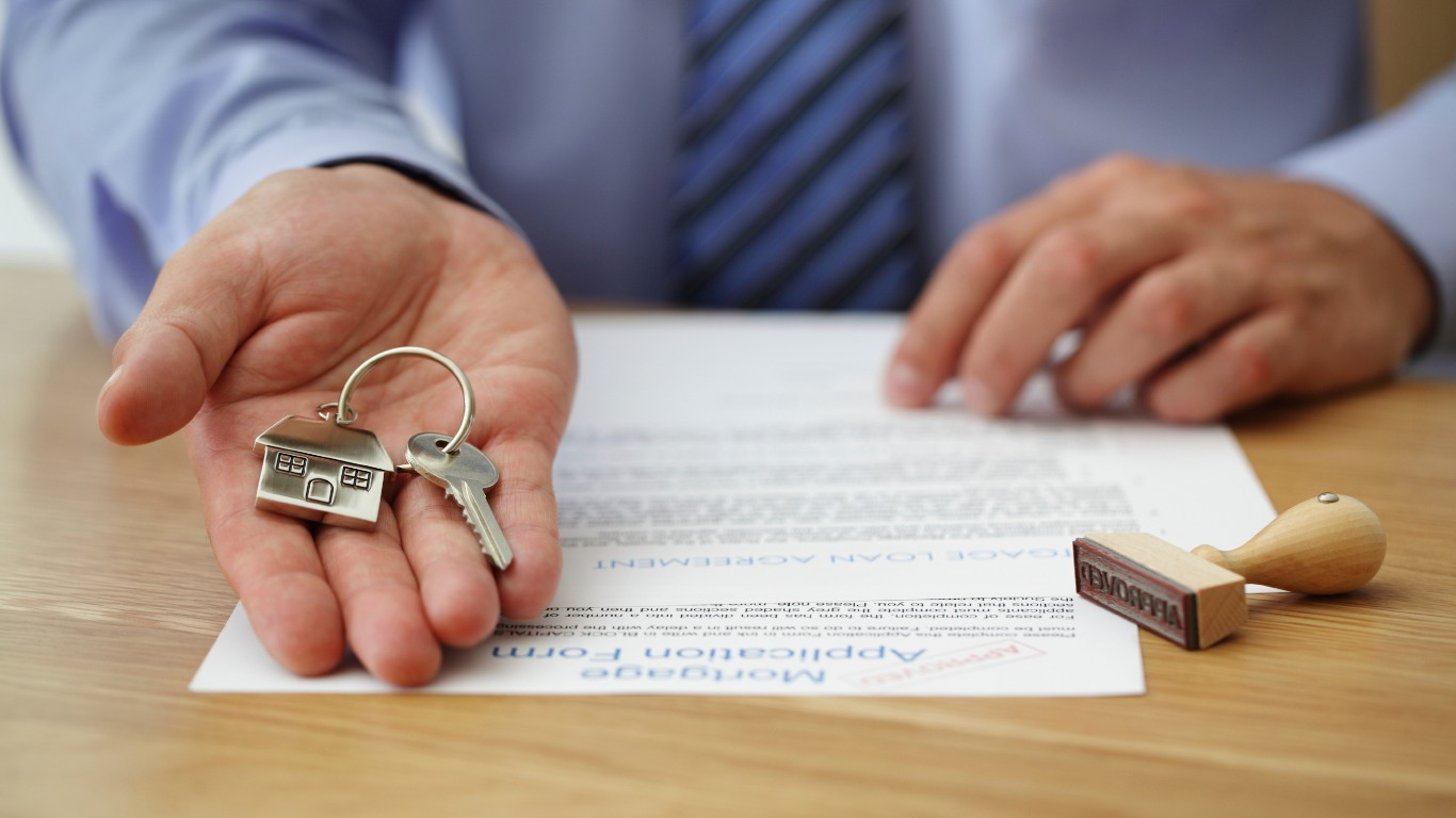 Should you use a mortgage broker? (Image: Shutterstock)