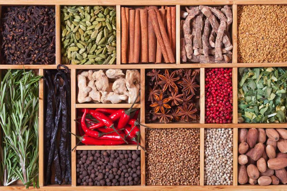 Aromatic culinary herbs and spices 20 different types LOT 1