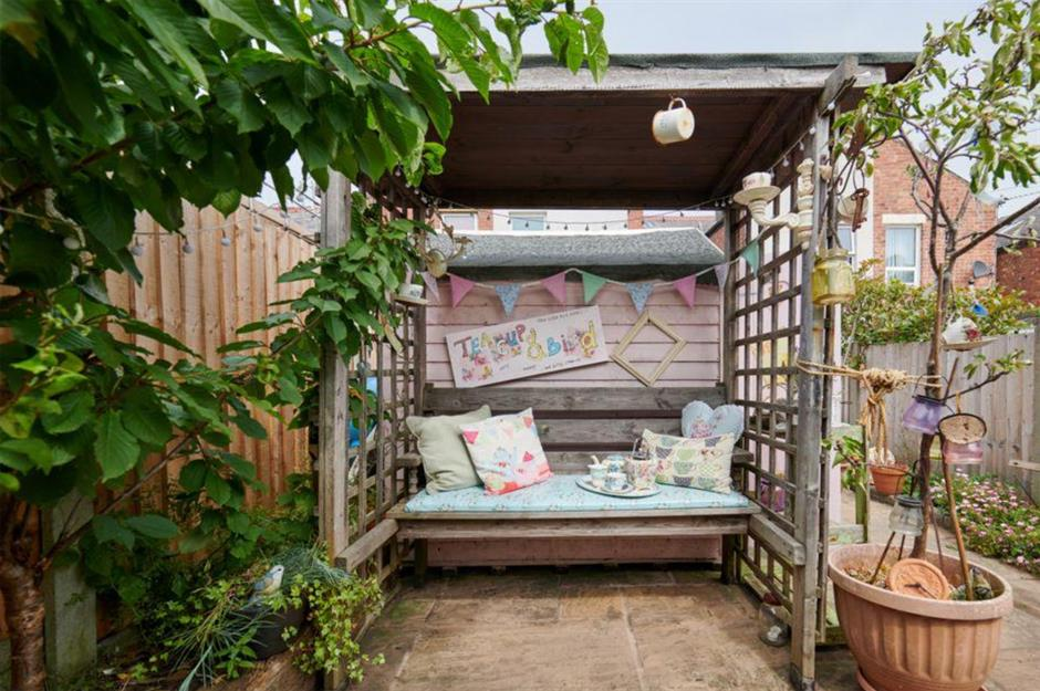 14 She Sheds That Are Simply Beautiful Loveproperty Com