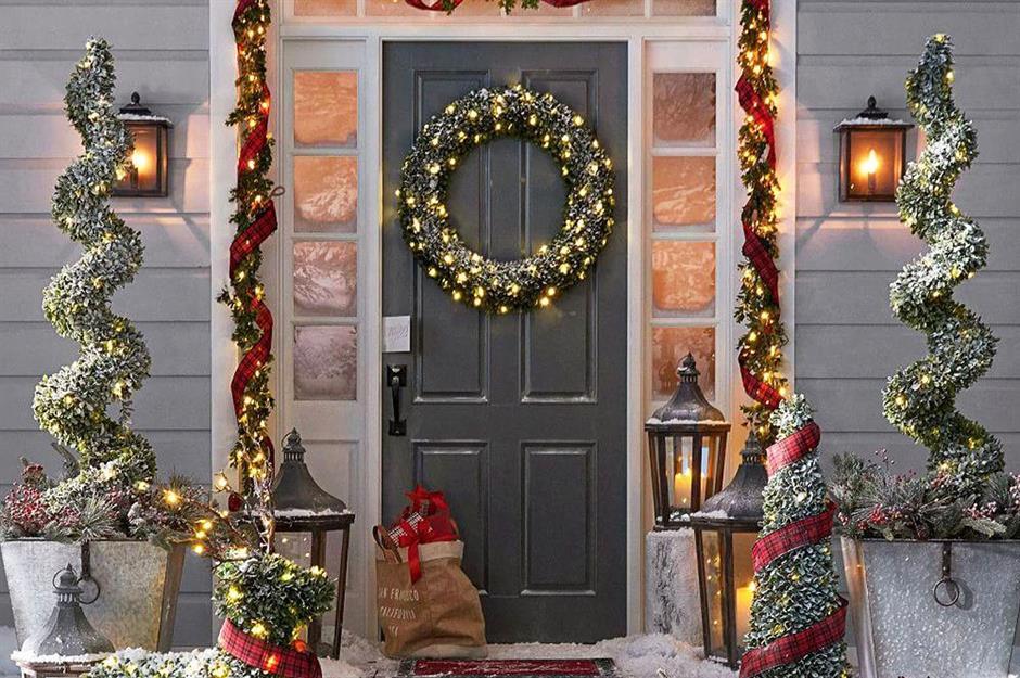 Outdoor Christmas Decorating Ideas Loveproperty Com