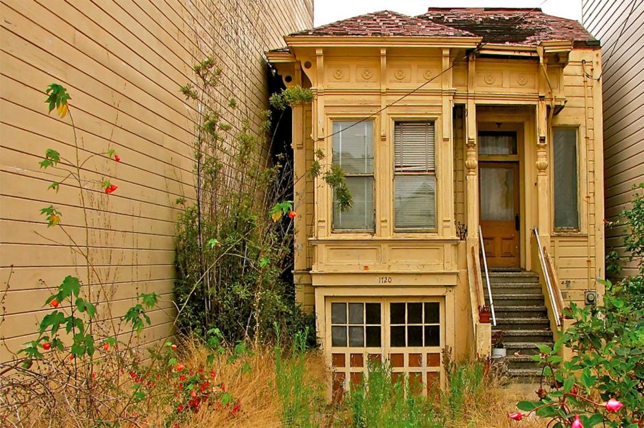 Abandoned Victorian Villa In San Francisco
