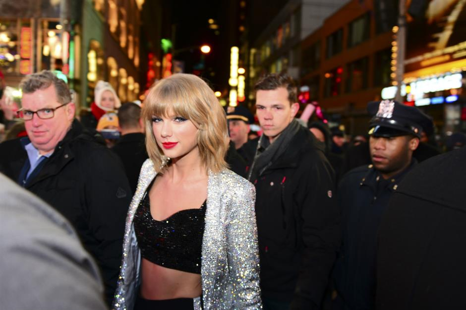 Snakes kill rats and eat them: Taylor Swift fans litter