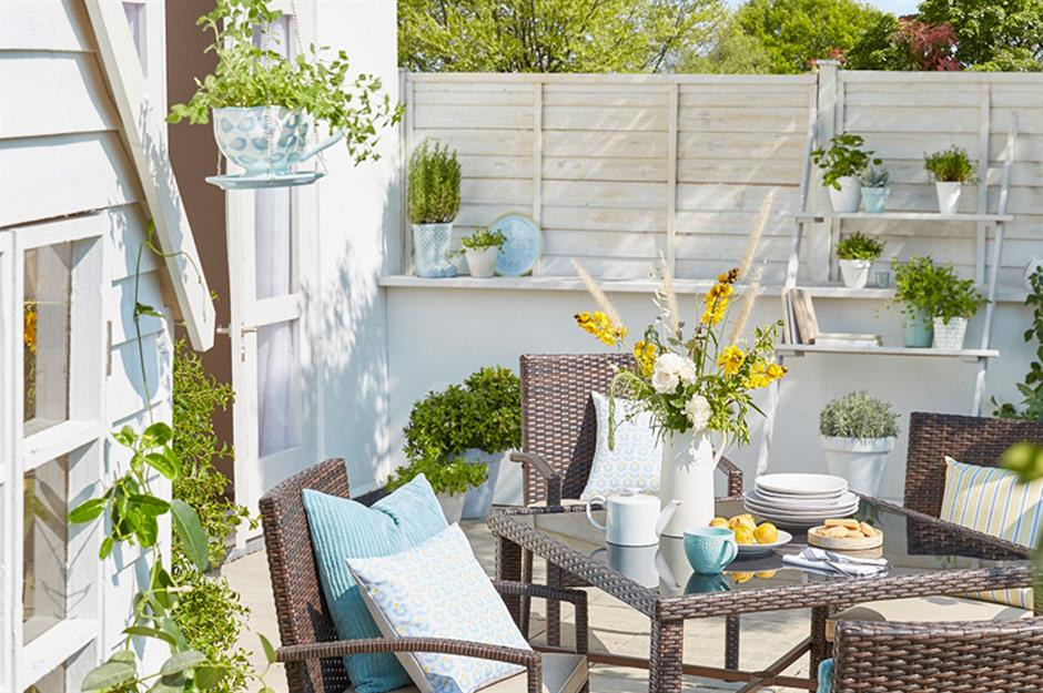 Surprising Stylish But Simple Small Garden Ideas Loveproperty Com Uwap Interior Chair Design Uwaporg