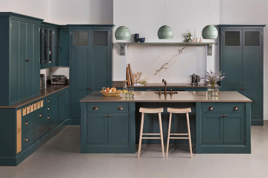 Dark kitchens: black, navy and dark grey kitchen ideas ...