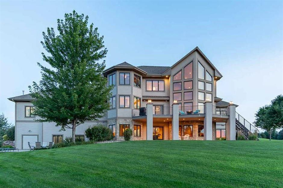 Peachy The Most Incredible Homes For Sale In Every Us State Home Interior And Landscaping Ologienasavecom