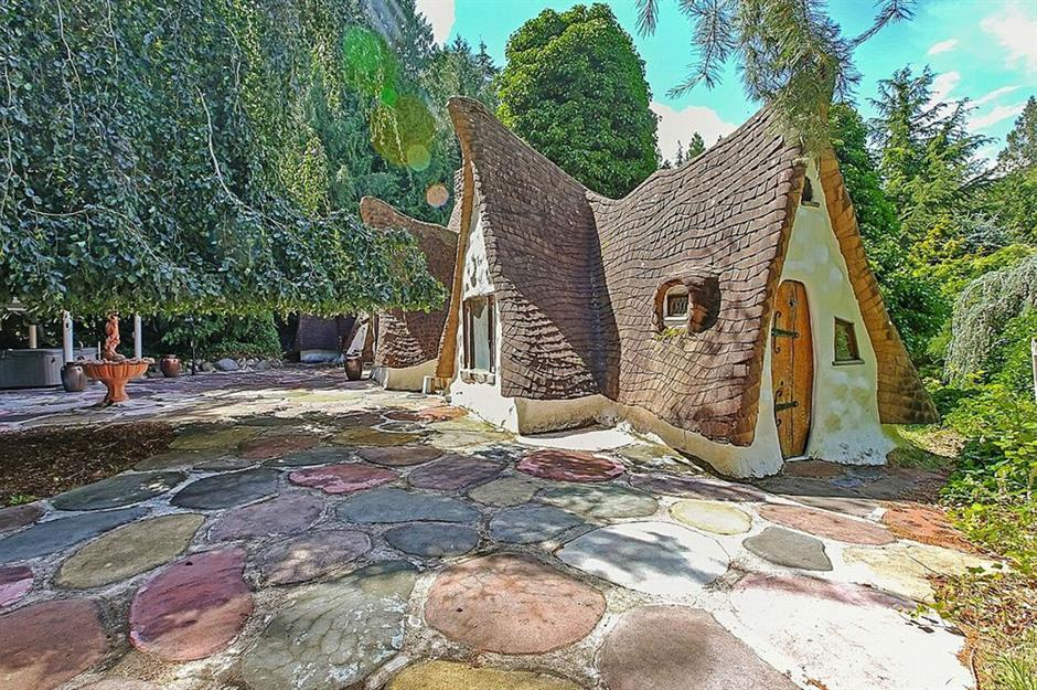 Admirable Incredible Fairy Tale Homes That People Can Actually Live In Home Interior And Landscaping Fragforummapetitesourisinfo