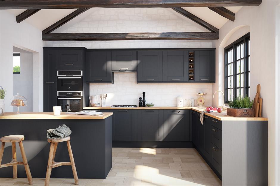 Dark kitchens: black, navy and dark grey kitchen ideas ...