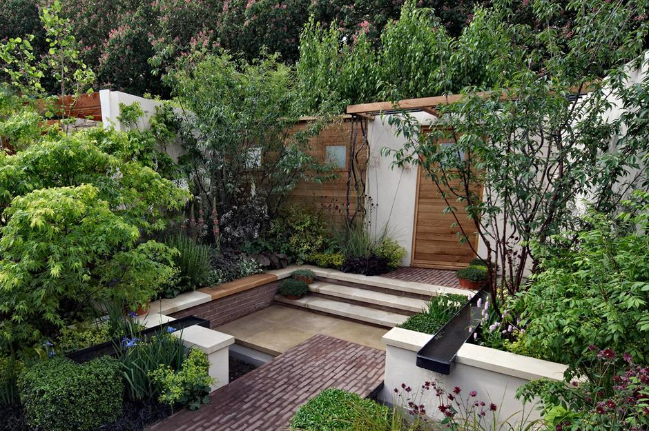 Stylish but simple small garden ideas - Small backyard landscape designs ...