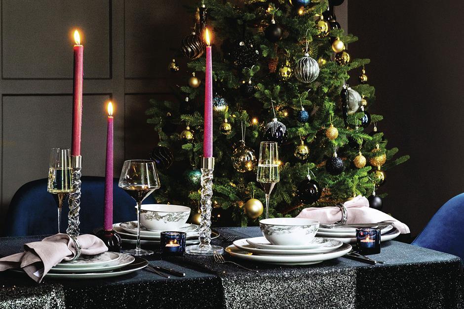 37 beautiful Christmas table decorating ideas | loveproperty.com