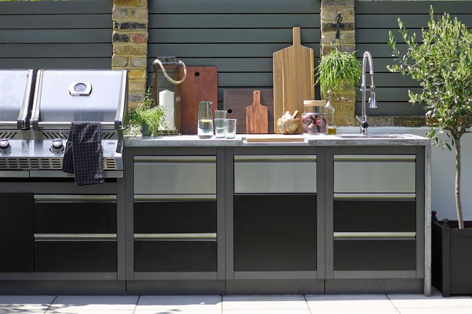 28 Incredible Outdoor Kitchens We D Love To Cook In Loveproperty