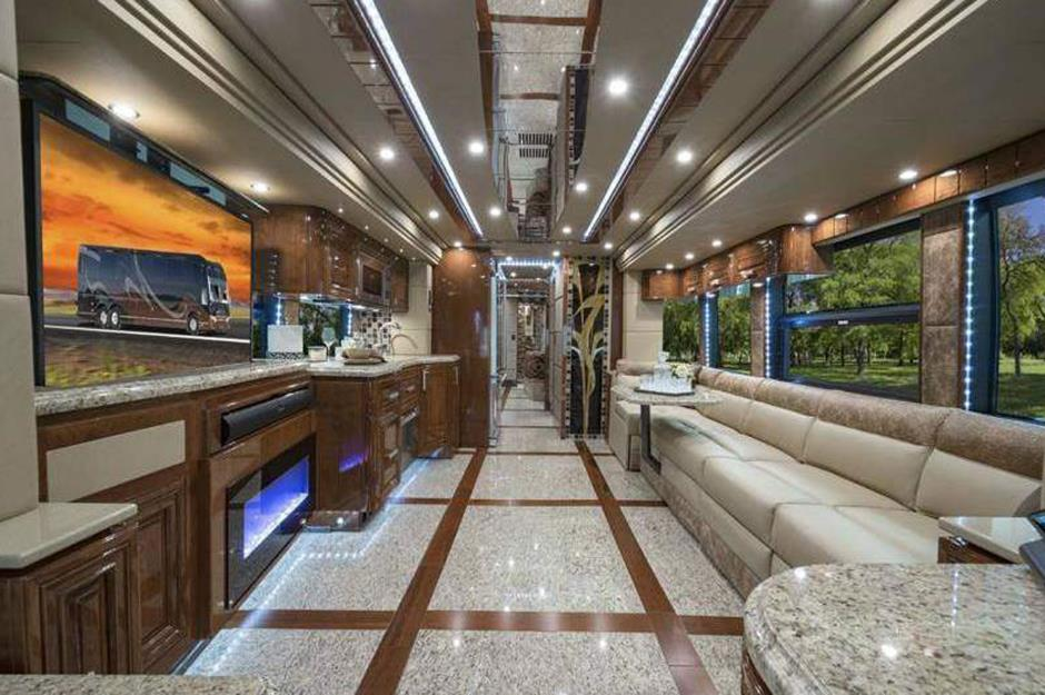 Inside the million dollar motorhomes for Million dollar motor coaches