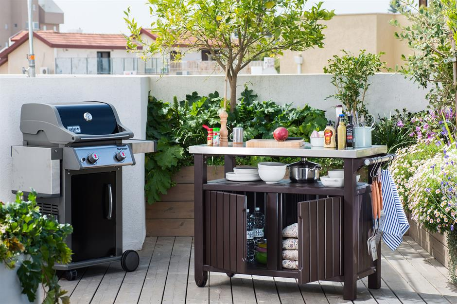34 Incredible Outdoor Kitchens We D Love To Cook In Loveproperty Com