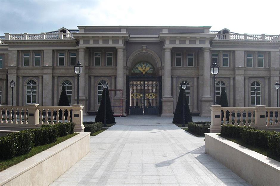 The outrageous homes of Russian billionaires | loveproperty com