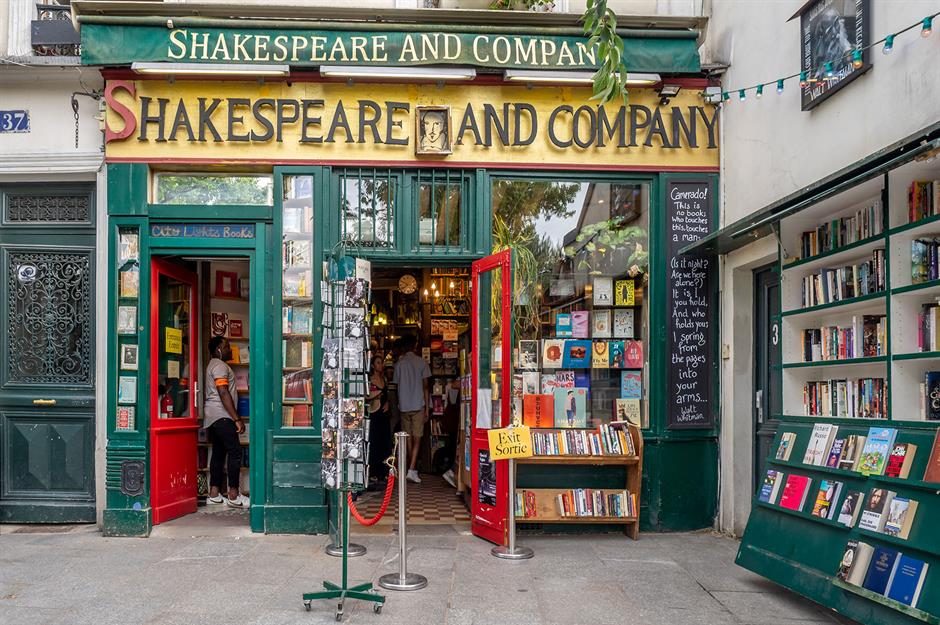 The world's most brilliant bookstores everyone should visit |  loveexploring.com