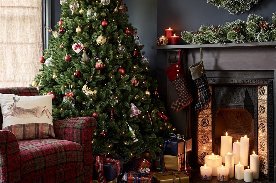 tartan decorated christmas tree