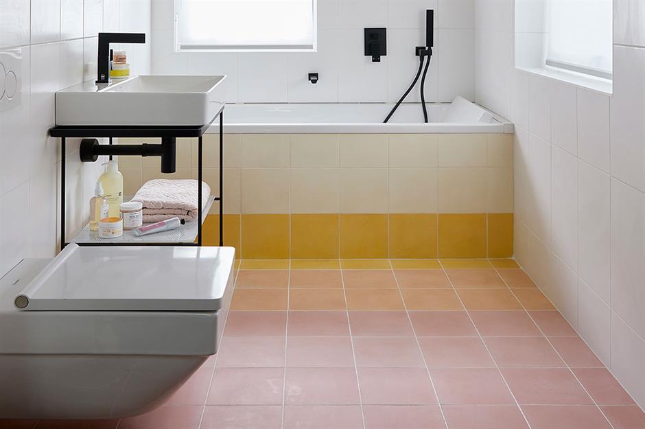 Artificial Grass Balcony Ideas, 52 Stunning Small Bathroom Ideas Loveproperty Com