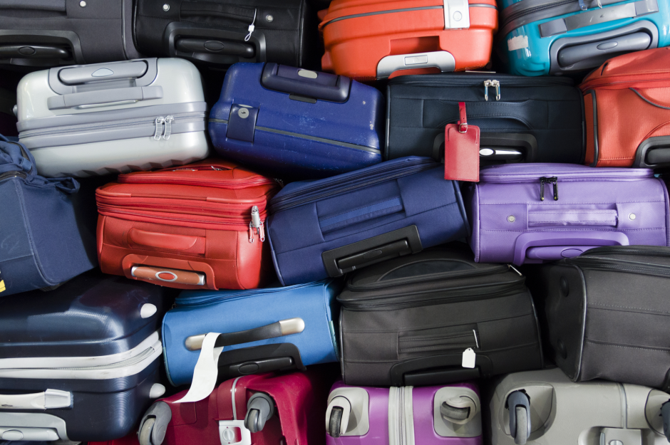 16 secrets only baggage handlers know | loveexploring.com