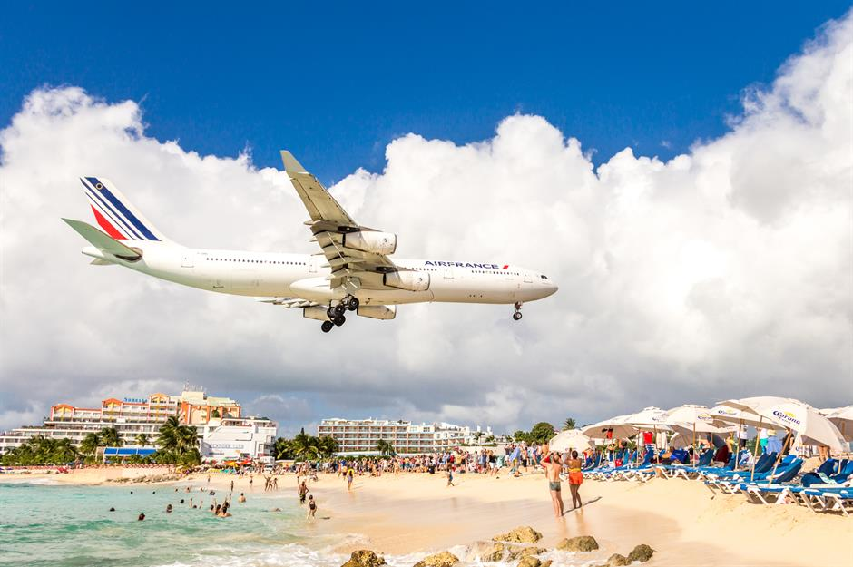 Dangerous airports: the scariest airport landings in the