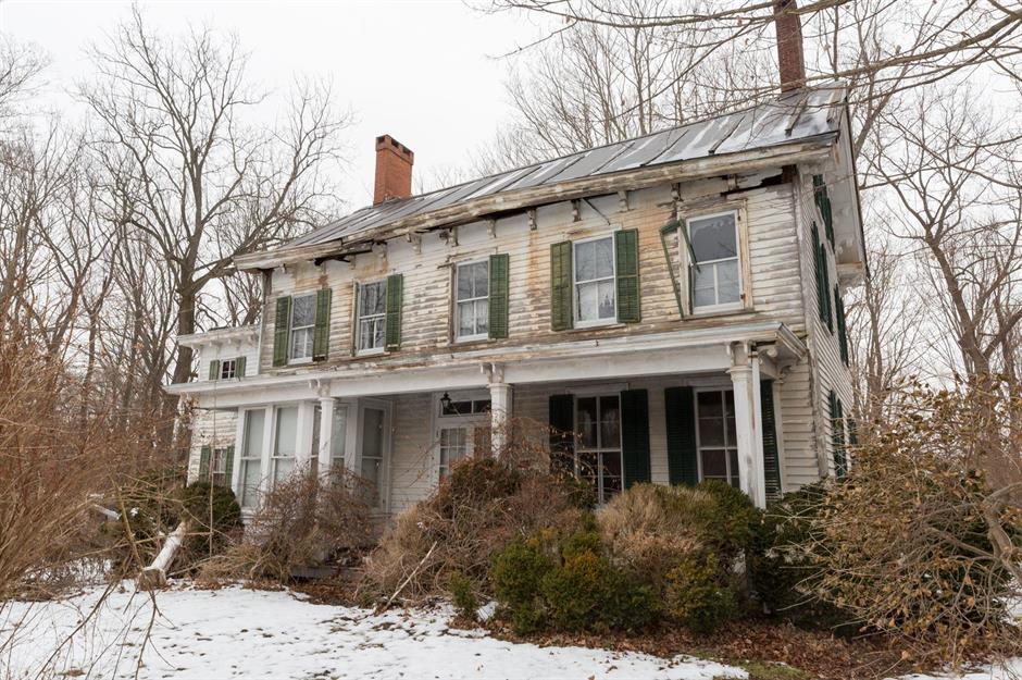 Step Inside This Abandoned Old House Untouched For 40 Years Loveproperty Com