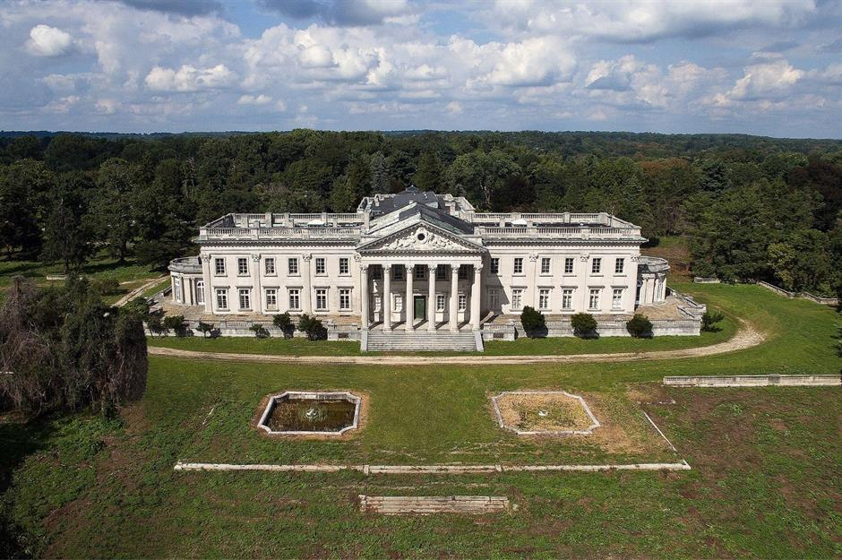 Abandoned Mansions The World Billionaires Loveproperty