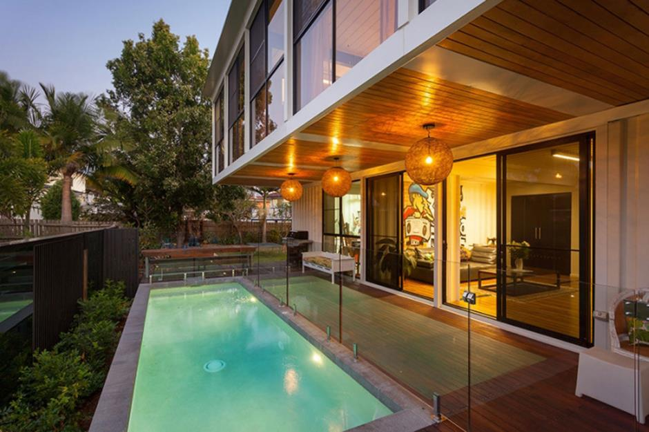 22 stunning homes made out of shipping containers - Graceville container house study case brisbane australia ...