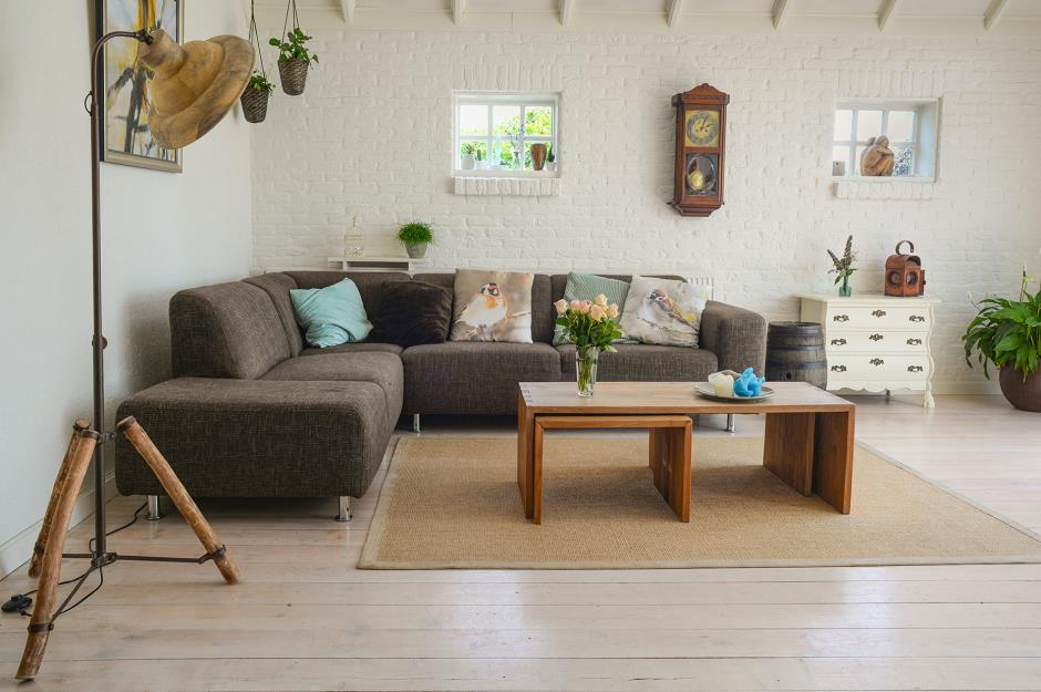 Modern Living Room With Grey Cornder Sofa And