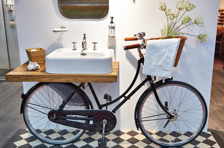Lighting Basement Washroom Stairs: 42 Upcycling Ideas To Transform Your Old Stuff