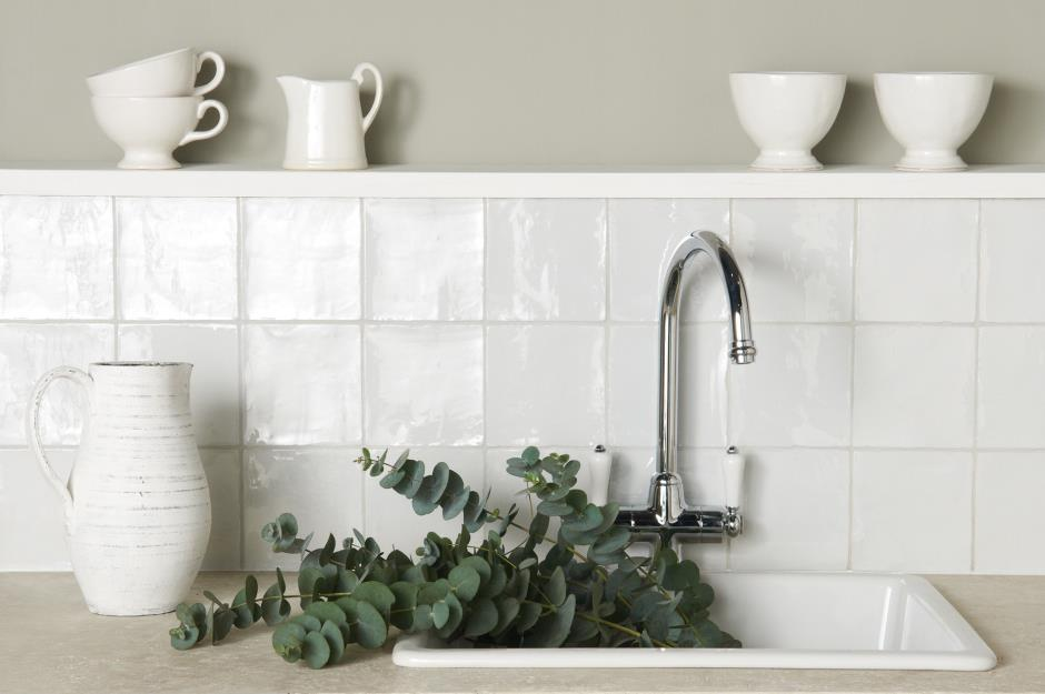 Mother-of-pearl country neutrals & Kitchen wall tiles: Ideas for every style and budget | loveproperty.com