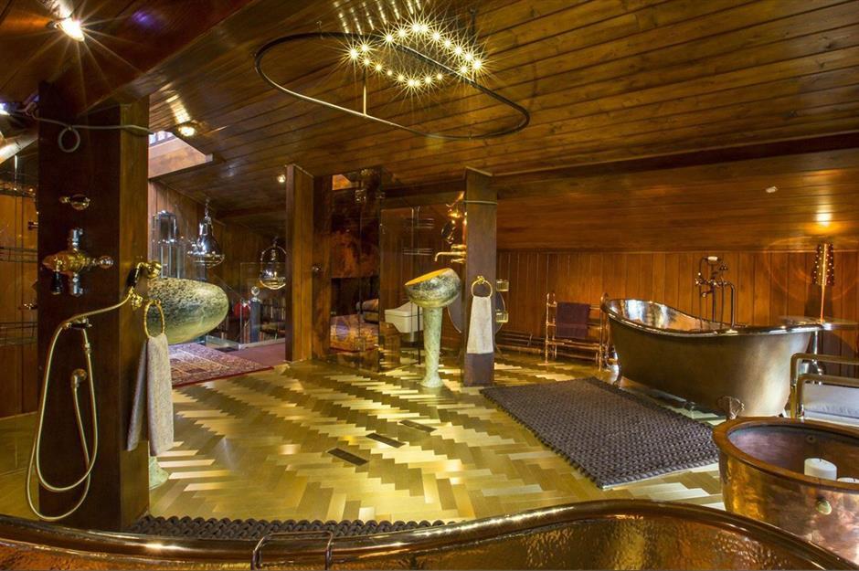 Gilded bathroom, Chalet Estate, Surrey, UK: Blinging bathrooms only the mega-