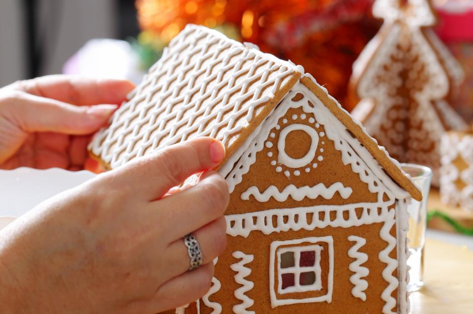 Secrets To Making The Best Ever Gingerbread House