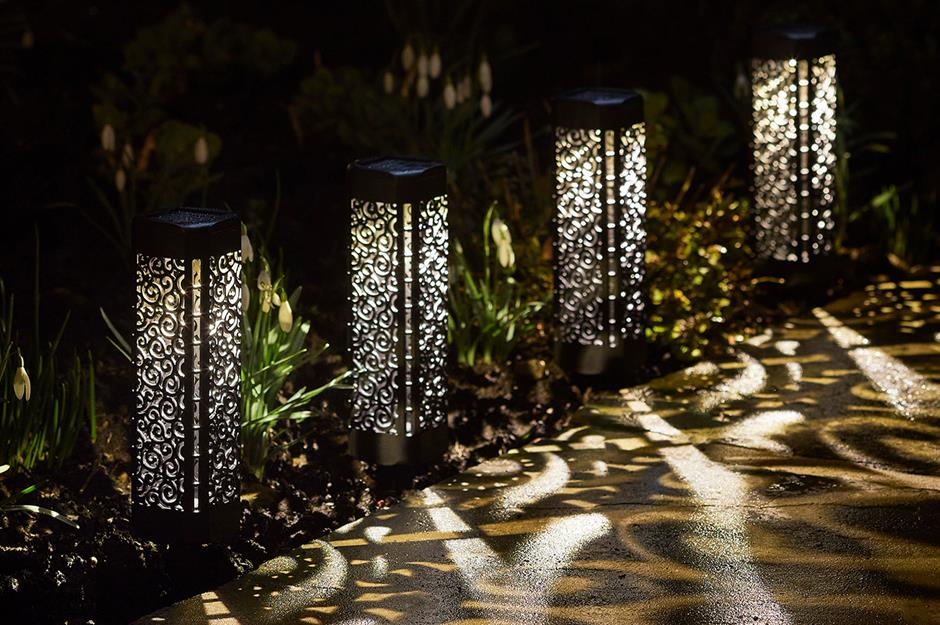 50 Gorgeous Garden Lighting Ideas Loveproperty Com