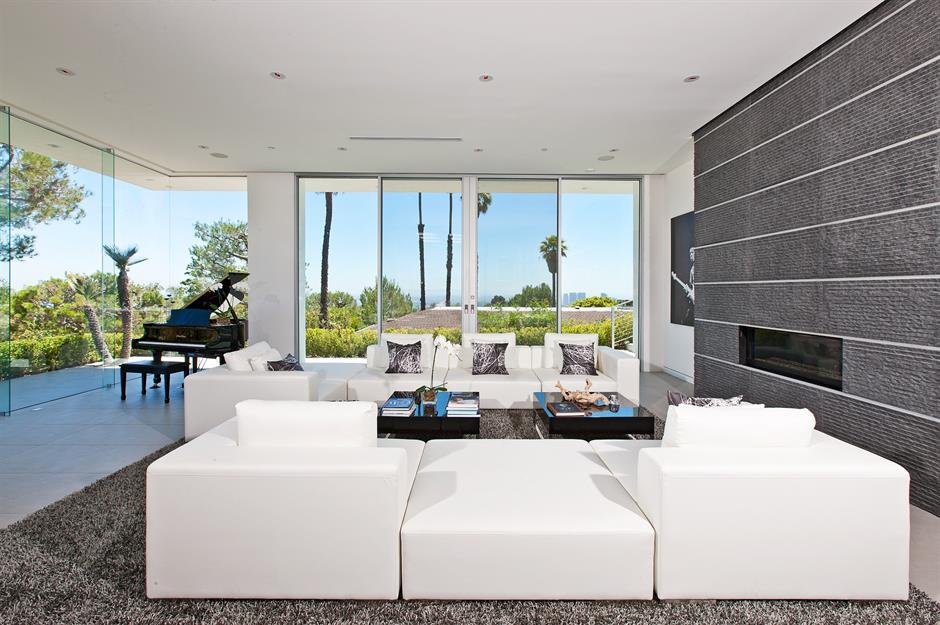 10 Masterpiece Mid Century Modern Homes For Sale Loveproperty Com