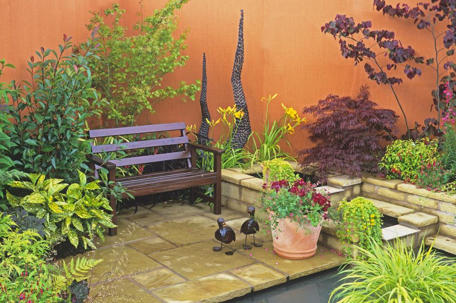 Stylish But Simple Small Garden Ideas Lovepropertycom - Small-gardens-idea