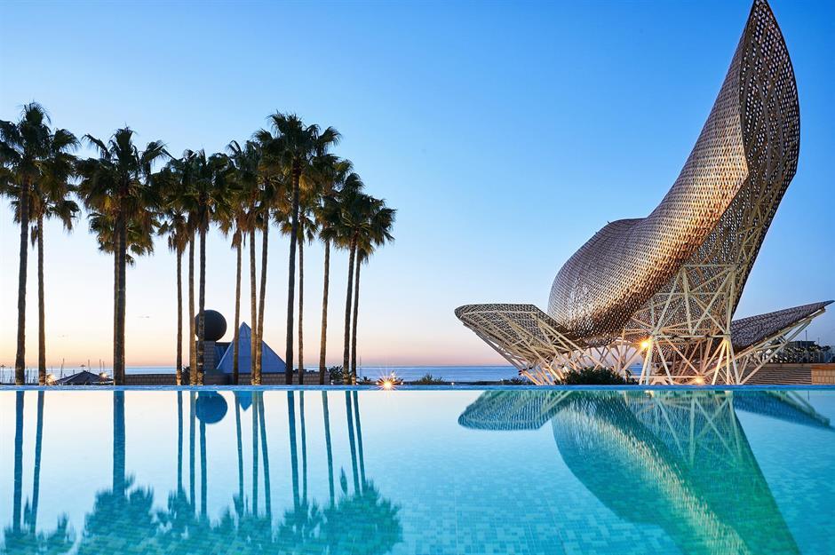 Infinity And Beyond World S Best Hotel Pools Loveexploring Com