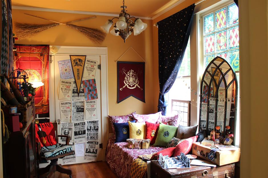 Harry Potter Superfans Who Ve Turned Their Homes Into Hogwarts