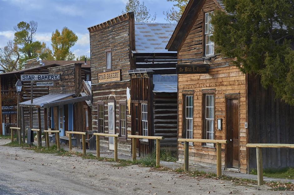 The Eerie American Gold Rush Ghost Towns You Can Visit