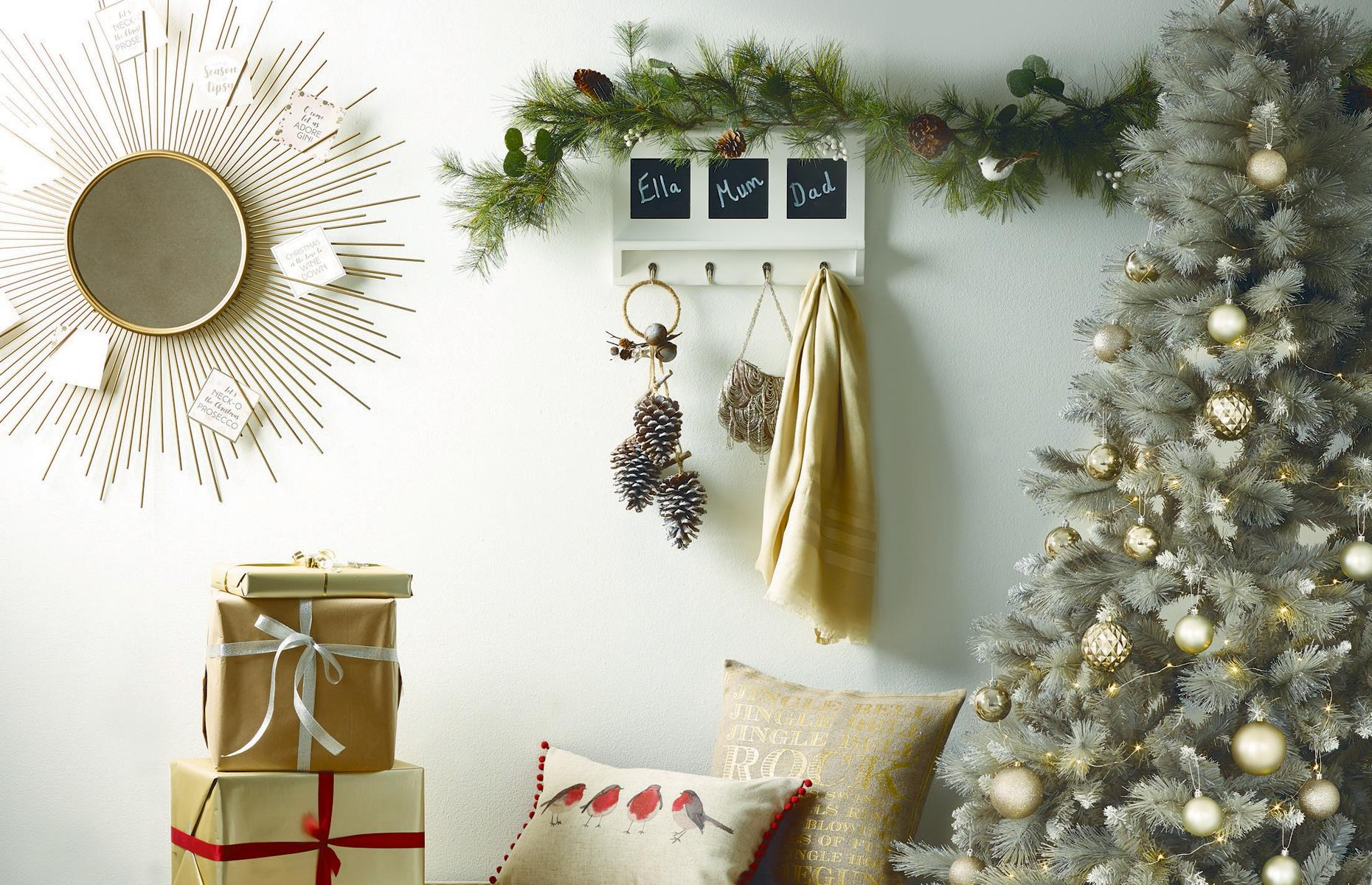 Christmas tree decorating ideas for every style and budget ...