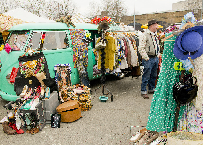 car boot sales top tips to sell successfully. Black Bedroom Furniture Sets. Home Design Ideas