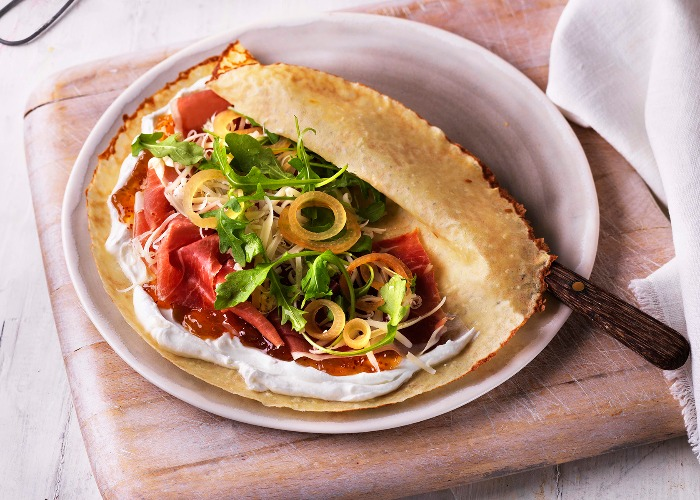 Cheese, ham and fig crêpes recipe
