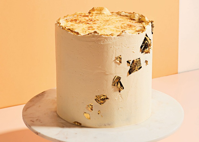 Crème brûlée cake recipe