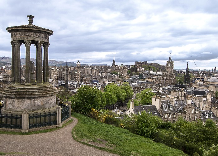 Houses are selling fast in Edinburgh (Image:Shutterstock)