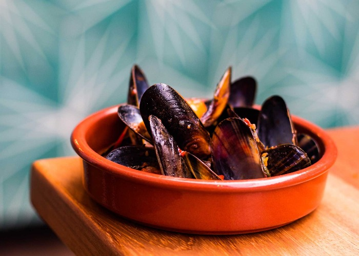 Mussels in beer with chilli jam recipe