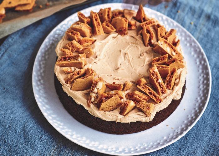 Peanut honeycomb banana cake recipe
