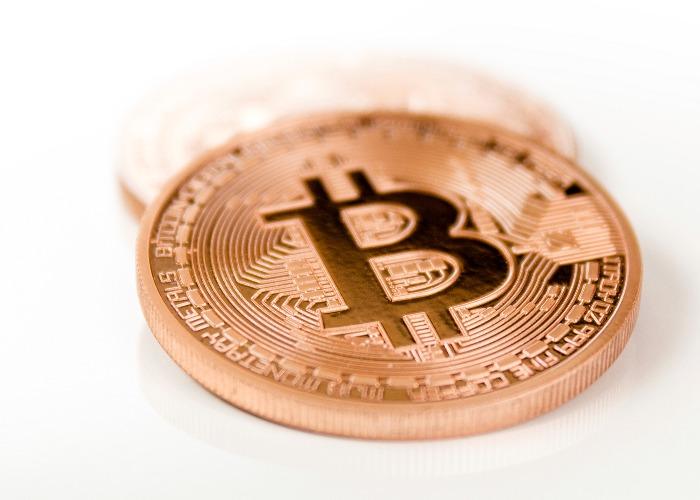 Bitcoin Price Crosses $9000
