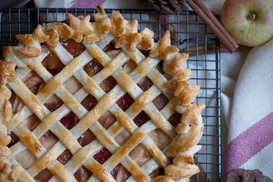 Apple, plum and cinnamon skillet pie recipe