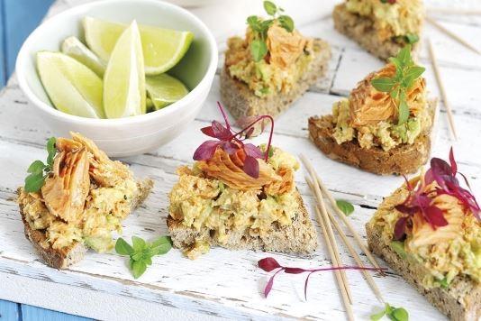 Avocado and salmon canapés recipe