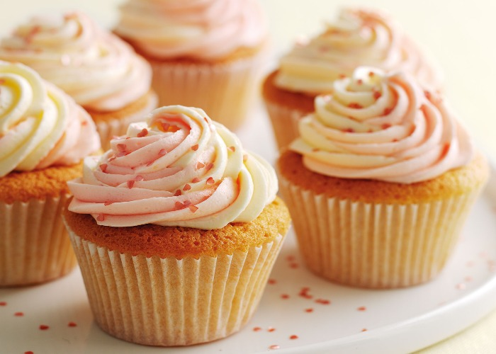 Mary Berry's vanilla cupcakes with swirly icing recipe