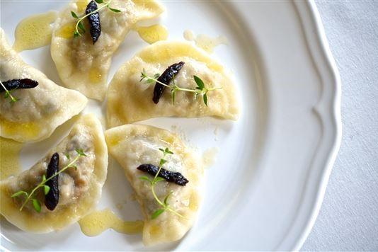 Prune dumplings (pierogi) recipe