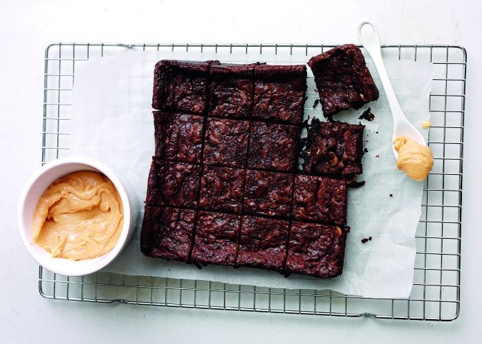 Chocolate brownies with dulce de leche recipe