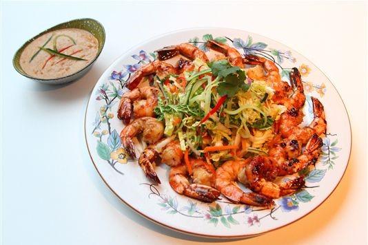 Griddled prawn Thai salad with a peanut dressing recipe